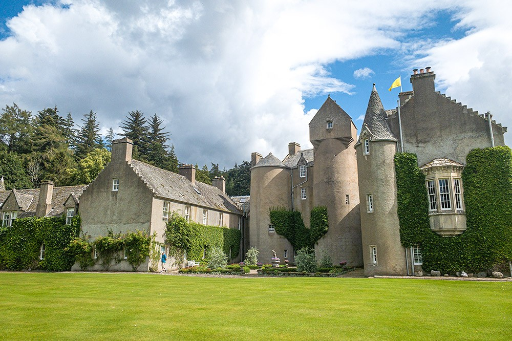 Ballindalloch Castle - Castles in Moray